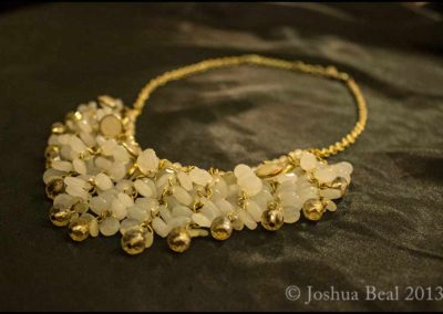 Necklace with white and gold